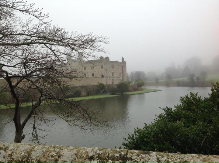 Leeds castle in themist